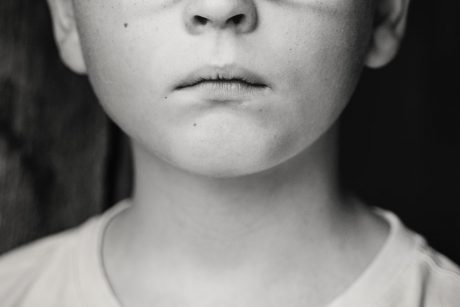 Muitas vezes as crianças são enlutados não reconhecidos